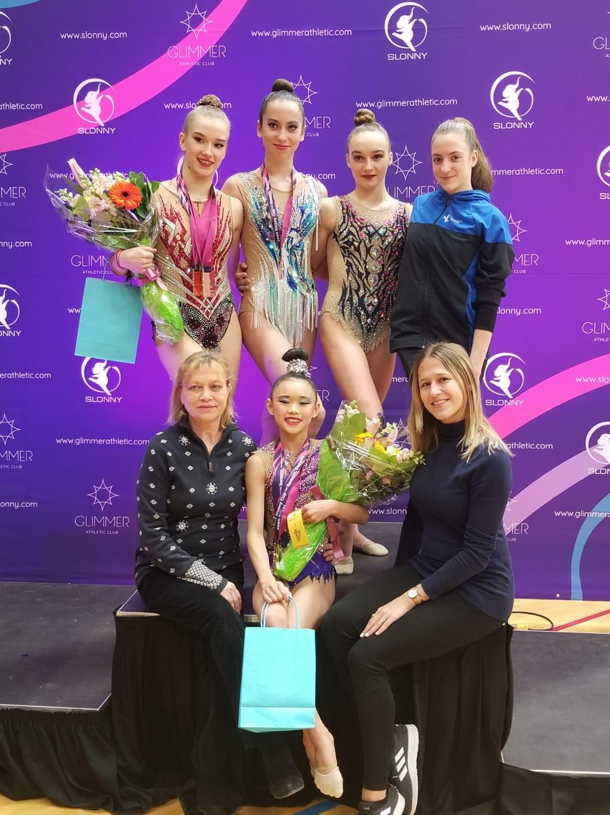 Slonny-Cup-2020---Team-Questo-with-coaches-Natalia-Popova-and-Katia-Shtrevensky.jpg